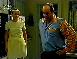 Ruth Wilkinson, Philip Martin in Neighbours Episode 2813