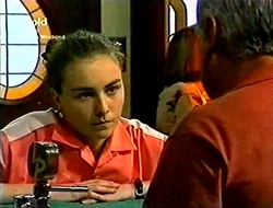 Debbie Martin, Lou Carpenter in Neighbours Episode 2814