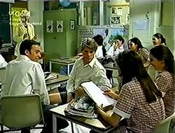 Lisa Elliot, Lance Wilkinson, Anne Wilkinson in Neighbours Episode 2814