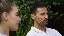 Chloe Brennan, Pierce Greyson in Neighbours Episode 8374