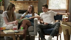 Mackenzie Hargreaves, Harlow Robinson, Hendrix Greyson in Neighbours Episode 8375