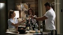 Chloe Brennan, Naomi Canning, Pierce Greyson in Neighbours Episode 8375