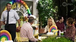 Toadie Rebecchi, Karl Kennedy, Dee Bliss, Susan Kennedy in Neighbours Episode 8377