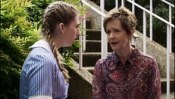 Mackenzie Hargreaves, Susan Kennedy in Neighbours Episode 8377