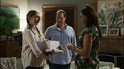 Mackenzie Hargreaves, Grant Hargreaves, Dipi Rebecchi in Neighbours Episode 8378