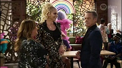 Terese Willis, Courtney Act, Paul Robinson in Neighbours Episode 8378