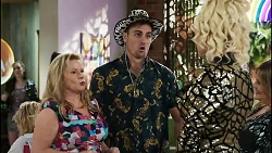 Sheila Canning, Kyle Canning, Courtney Act, Terese Willis in Neighbours Episode 8379