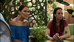 Elly Conway, Bea Nilsson in Neighbours Episode 8384