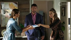 Elly Conway, Pierce Greyson, Chloe Brennan in Neighbours Episode 8393