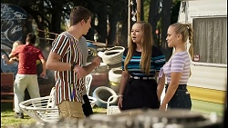 Hendrix Greyson, Harlow Robinson, Roxy Willis in Neighbours Episode 8398