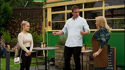 Roxy Willis, Kyle Canning, Sheila Canning in Neighbours Episode 8399