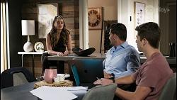 Chloe Brennan, Pierce Greyson, Hendrix Greyson in Neighbours Episode 8401