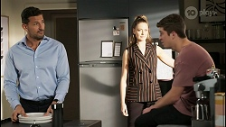Pierce Greyson, Chloe Brennan, Hendrix Greyson in Neighbours Episode 8401