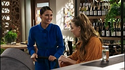 Elly Conway, Chloe Brennan in Neighbours Episode 8402