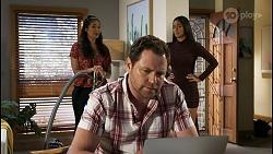 Dipi Rebecchi, Shane Rebecchi, Yashvi Rebecchi in Neighbours Episode 8403