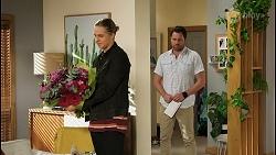Richie Amblin, Shane Rebecchi in Neighbours Episode 8404
