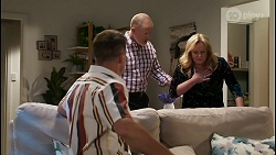Kyle Canning, Clive Gibbons, Sheila Canning in Neighbours Episode 8409