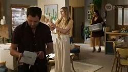 Shane Rebecchi, Mackenzie Hargreaves, Dipi Rebecchi in Neighbours Episode 8410