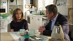 Jane Harris, Paul Robinson in Neighbours Episode 8412