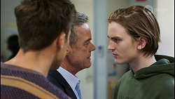 Aaron Brennan, Paul Robinson, Brent Colefax in Neighbours Episode 8413