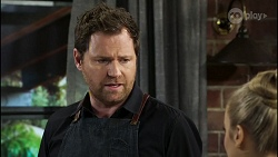 Shane Rebecchi, Roxy Willis in Neighbours Episode 8416