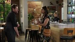 Shane Rebecchi, Dipi Rebecchi, Roxy Willis in Neighbours Episode 8417