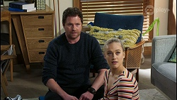 Shane Rebecchi, Roxy Willis in Neighbours Episode 8421