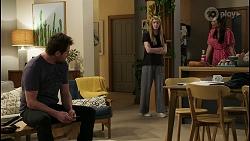 Shane Rebecchi, Mackenzie Hargreaves, Dipi Rebecchi in Neighbours Episode 8423