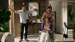 Aaron Brennan, Chloe Brennan, Fay Brennan in Neighbours Episode 8424