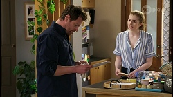 Shane Rebecchi, Mackenzie Hargreaves in Neighbours Episode 8428