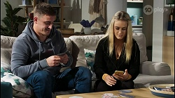 Kyle Canning, Roxy Willis in Neighbours Episode 8433