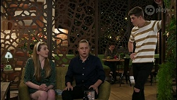 Mackenzie Hargreaves, Richie Amblin, Hendrix Greyson in Neighbours Episode 8435