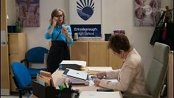 Jane Harris, Susan Kennedy in Neighbours Episode 8438