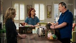 Jane Harris, Nicolette Stone, Des Clarke in Neighbours Episode 8438