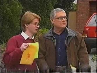 Brett Stark, Lou Carpenter in Neighbours Episode 2471