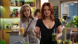Jane Harris, Nicolette Stone in Neighbours Episode 8443