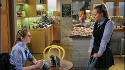 Mackenzie Hargreaves, Harlow Robinson in Neighbours Episode 8443