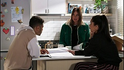 Levi Canning, Bea Nilsson, Yashvi Rebecchi in Neighbours Episode 8444