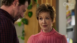 Shane Rebecchi, Susan Kennedy in Neighbours Episode 8450