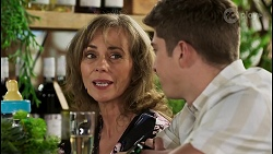 Jane Harris, Hendrix Greyson in Neighbours Episode 8450
