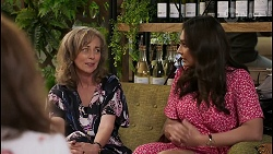 Fay Brennan, Jane Harris, Dipi Rebecchi in Neighbours Episode 8450