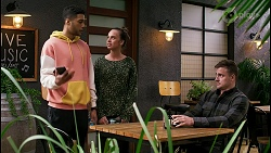 Levi Canning, Bea Nilsson, Kyle Canning in Neighbours Episode 8453