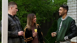 Kyle Canning, Bea Nilsson, Levi Canning in Neighbours Episode 8454