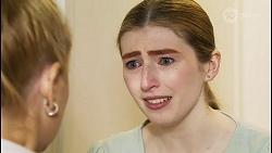Rose Walker, Mackenzie Hargreaves in Neighbours Episode 8454