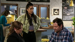 Terese Willis, Yashvi Rebecchi, Shane Rebecchi in Neighbours Episode 8458