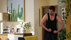 Shane Rebecchi in Neighbours Episode 8462