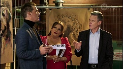 Bouncer, Andrew Shannon, Terese Willis, Paul Robinson in Neighbours Episode 8464