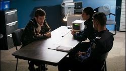 Ned Willis, Yashvi Rebecchi, Levi Canning in Neighbours Episode 8465