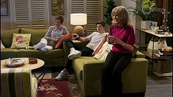 Susan Kennedy, Hendrix Greyson, Jane Harris in Neighbours Episode 8469