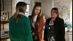 Bea Nilsson, Harlow Robinson, Terese Willis in Neighbours Episode 8470